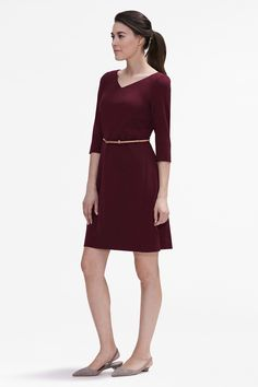 It's 7am on a Monday, and you need to get ready for work in five minutes flat. Reach for this belted A-line dress, which checks all the right boxes: slimming sleeves, a collarbone-flattering neckline, and stretch like you wouldn't believe.