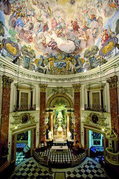 Basílica de la Virgen Valencia -  A principios del siglo XX, se planteó la posibilidad de realizar una majestuosa ampliación de la Basílica. Por ello, el prelado convocó un concurso de ideas en el año 1932, que ganó Vicente Traver.