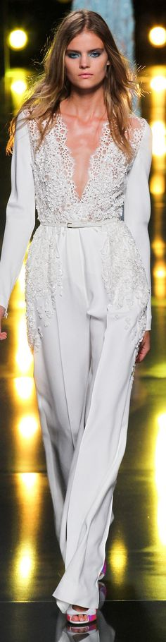 Elie Saab Collection Spring 2015 - I could wear this look on New Year´s Eve if it weren´t so hot here!