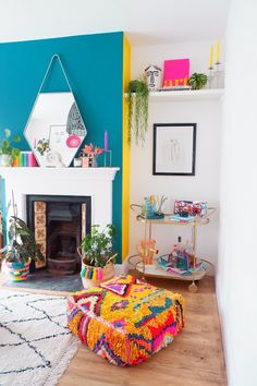 Bohemian Living Rooms, Colourful Living Room, Living Room Interior, Living Room Decor, Bright Living Rooms, Cool Living Room Ideas, Bohemian Decor, Room Colors, House Colors