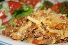 Deep South Dish: Ground Beef Mac and Cheese Casserole recipes Beef Mac And Cheese, Mac And Cheese Casserole, Casserole Recipes, Meat Recipes, Dinner Recipes, Cooking Recipes, Mac Cheese, Macaroni Cheese, Recipies