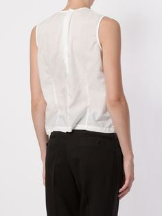 Shop Comme Des Garçons round neck tank top in L'Eclaireur from the world's best independent boutiques at farfetch.com. Shop 300 boutiques at one address.