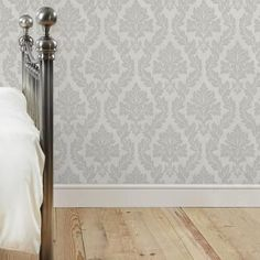 47 Best ideas for silver wallpaper living room spaces Demask Wallpaper, Hall Wallpaper, Marble Wallpaper Phone, Silver Wallpaper, Trendy Wallpaper, Print Wallpaper, Wallpaper Ideas, Art Deco Curtains, Damask Decor