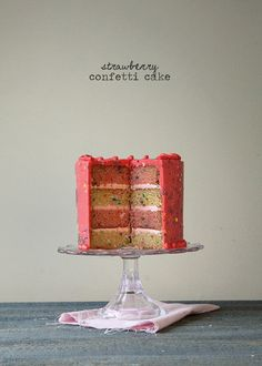 Strawberry Confetti Cake - I can't wait to this. Repinned by @LaVieAnnRose
