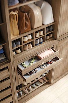 Wardrobe Design Bedroom, Master Bedroom Closet, Bedroom Wardrobe, Wardrobe Closet, Closet Clothing, Shoe Closet, Wardrobe Door Designs, Closet Designs, Best Closet Organization