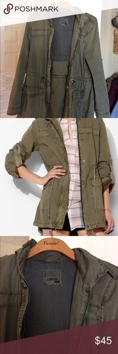 Levi's Parachute Green Jacket Great condition worn a handful of times. Amazing quality and goes with everything! Make an offer Madewell Jackets & Coats
