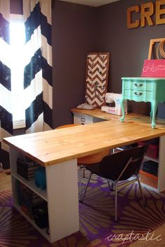 I have to have this desk for my craft room!!!
