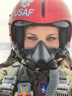 Air Fighter, Female Fighter, Fighter Pilot, Fighter Jets, Female Pilot, Female Soldier, Army Soldier, Military Pictures, Military Women