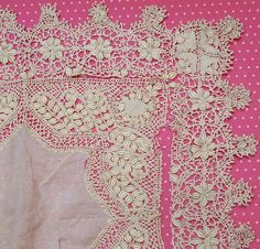 Spectacular Antique Silk Maltese Bobbin Lace Wedding Hankie Handkerchief