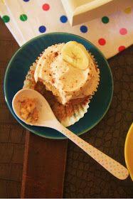 Desirvientadas: Banana Cupcakes with Honey-Cinammon Frosting