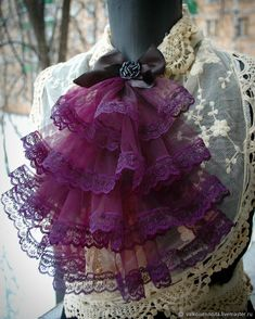 Diy Ribbon, Ribbon Crafts, Medieval Fashion, Gothic Fashion, Brooch Corsage, Sewing Case, Gothic Mode, Decorated Wine Glasses, Bow Tie Collar