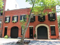 Carriage houses at 291 and 293 Hicks Street in Brooklyn Heights
