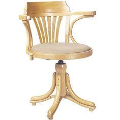 Kontor van #TON is een van de weinige draaistoelen die TON produceert. Het ontwerp is gebaseerd op stoel No. 24 en No. 25, maar de rugleuning kan met of zonder waaier versierd worden. De Kontor is ideaal voor een modieuze werkplek of voor kamers met groeiende kinderen.Bekijk alle stof- en houtmogelijkheden op DEZE WEBSITE, u kunt hier volledig uw eigen stoel samen stellen, elke samenstelling kunt u bij ons bestellen.NEEM CONTACT MET ONS VOOREEN PRIJSOPGAAFDe prijs hiernaast is vanaf-prijs