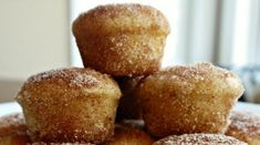 NO EGGS REQUIRED! You must be a fan of snickerdoodles, no? But now snickerdoodles can… Snickerdoodle Muffins, Donut Muffins, Donuts, Pie Dessert, Dessert Recipes, Cake Recipes, Healthy Desserts, Yummy Recipes, Donut Recipes