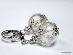 Ohrringe Pusteblume in Glaskugel Silber von Sara´s Charms auf DaWanda.com