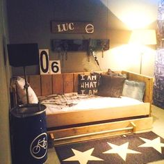 Bedbank Luc is niet alleen lekker slapen maar ook lekker loungen. Handig met de lades onder het bed.
