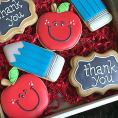 Pin by cheryl anthon on teacher gifts пряник, школа, учитель Apple Cookies, Cookies For Kids, Iced Cookies, Cupcake Cookies, Teacher Christmas Gifts, Teacher Gifts, Apple Theme Parties, Teacher Cupcakes, Royal Icing