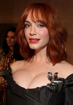 Christina Hendricks cleavage is just like wow! Christina Hendricks cleavage is just like wow! Beautiful Christina, Beautiful Redhead, Beautiful Women, Beautiful Clothes, Christina Hendricks, Actress Christina, Bigger Breast, Fashion Tips For Women, Camila Cabello