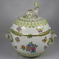 HEREND QUEEN VICTORIA Dolphin Covered Soup Tureen 4 Qt.