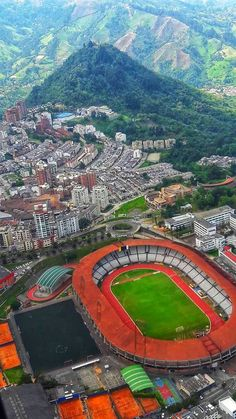 Hermosa!!! Baseball Field, Urban Landscape, Antique Photos, Earth, Colombia, Cities, Sweetie Belle