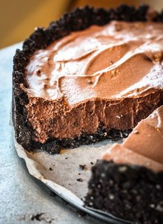 Guilt-free Oreo Chocolate Mousse Tart. It's rich deep chocolate flavour and a silky creamy texture that really makes nigh impossible to tell there is no cream in it.