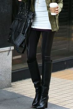 fall inspiration, leather legging black boots, fringe purse