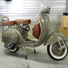 Piaggio, VNB, 3,7 kW, 40 km, EZ 1/1960, grün, Sportauspuff, Diese schöne Vespa VNB1 von 1960 125ccm ist komplett restauriert und neu lackiert. Alle Anbauteile