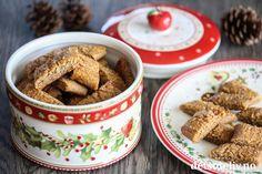 Pepperkakesnitter er veldig populære julekaker fordi de er så raske å lage. Kakene lages med julekrydder og brunt sukker (demerarasukker). Oppskriften er ikke så stor, men gir kaker med mye smak. Med denne oppskriften tar det ikke lang tid før du får det til å lukte nystekte pepperkaker på kjøkkenet! Cheesecake, Breakfast, Foods, Morning Coffee, Food Food, Food Items, Cheesecakes, Cherry Cheesecake Shooters