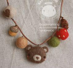 felted Bear Necklace http://item.taobao.com/item.htm?spm=a1z10.1.15056340-251555030.9.tLeyKO&id=15948954556
