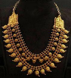 Gold Jewelry For Cheap Mango Mala Jewellery, Amrapali Jewellery, Gold Temple Jewellery, Gold Jewellery Design, India Jewelry, Antique Jewellery, Maharashtrian Jewellery, Gold Jewelry Simple, Jewelry Model