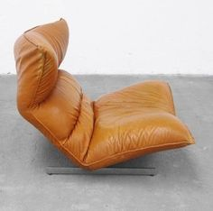 Vittoria Varo; leather and Chromed Metal Lounge Chair for Chatpard, 1980.