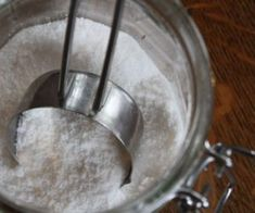 Come fare un brillantante naturale per lavastoviglie.Guida alla realizzazione di un eco-brillantante fatto in casa dall'azione anticalcare e disincrostante