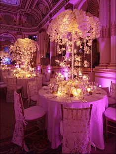 Wedding table decoration for an unforgettable wedding day full of shine Exactly what Wedding Decor Wedding Reception Centerpieces, Floral Centerpieces, Reception Decorations, Wedding Themes, Event Decor, Wedding Designs, Wedding Table, Wedding Venues, Uplighting Wedding
