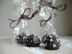 wedding cake pop favours
