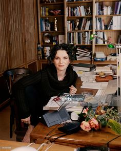 Photo d'actualité : French actress Juliette Binoche at home in...
