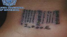 Prostituée forcée de se faire tatouer un code à barres