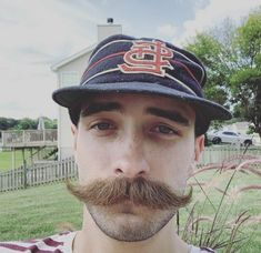Walrus Mustache, Moustache, Male Pattern Baldness, Facial Hair, Karl Lagerfeld, Baseball Hats, Muscle, Mens Fashion, Moda Masculina