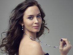 Emily Blunt a goregous, hilarious, brilliant actress, and that voice...sigh, just amazing