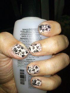 Encaje negro sobre blanco Print Tattoos, Nail Art, Nails, Enamels, White People, Black People, Humectant, Lace, Finger Nails