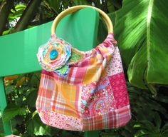 Bamboo handle bag...perfect for Summer! #tutorial #sewing #purse #bag