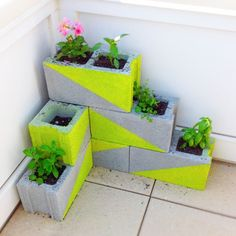 My DIY planter (concrete blocks + Cinder block planters - great for strawberry plants. Concrete Planters, Concrete Blocks, Diy Planters, Garden Planters, Planter Ideas, Cinderblock Planter, Diy Concrete, Outdoor Planters, Brick Planter