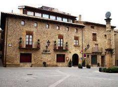 Tourism, sightseeing, cretas, stone to stone, Teruel, Aragon, Matarraña, Spain, España