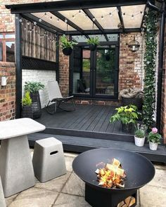 These 4 Living Room Trends for 2019 – Modells. Patio Pergola, Backyard Patio Designs, Small Backyard Landscaping, Paved Backyard Ideas, Low Deck Designs, Front Yard Patio, Small Outdoor Patios, No Grass Backyard, Corner Pergola