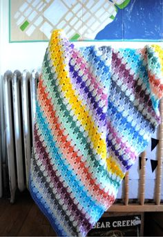 Very pretty rainbow afghan that links to the website where the pattern is located.