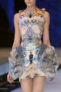 Alexander McQueen at Paris Fashion Week Spring 2010 - StyleBistro