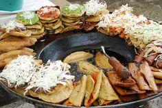 Tacos , Tamborcitos , Quesadillas y sopes estilo Rio Verde .