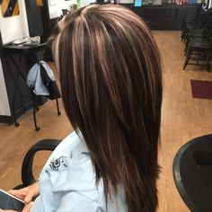trendy hair highlights and lowlights fall dark brown trendige Haar-Highlights und Lowlights Hair Color And Cut, Haircut And Color, Fall Winter Hair Color, Winter Hairstyles, Pretty Hairstyles, Bob Hairstyles, Hair Color Highlights, Violet Highlights, Dark Brown Hair With Highlights And Lowlights