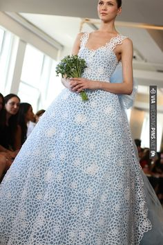 OSCAR DE LA RENTA BRIDAL 2013 - PHOTO BY Rachel Scroggins | VIA #WEDDINGPINS.NET