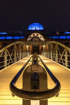 Steg zur Fischauktionshalle   Bildschönes Hamburg