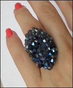 Lindos aneis feito em cristais R$ 15,00